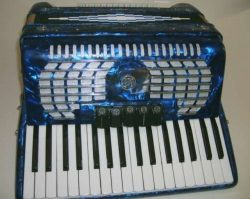 Rossetti Piano Accordion 60 Bass 34 Keys 5 Switches with Case & Straps (blue)